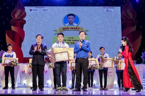 Hà Việt Hoàng- Quán quân cuộc thi Tự hào Việt Nam 2017