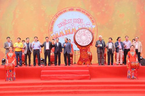 Hơn 20.000 người tham dự Ngày hội Bia Hà Nội 2017