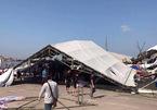 Lốc xoáy ở hội chợ quốc tế, 30 gian hàng đổ sập