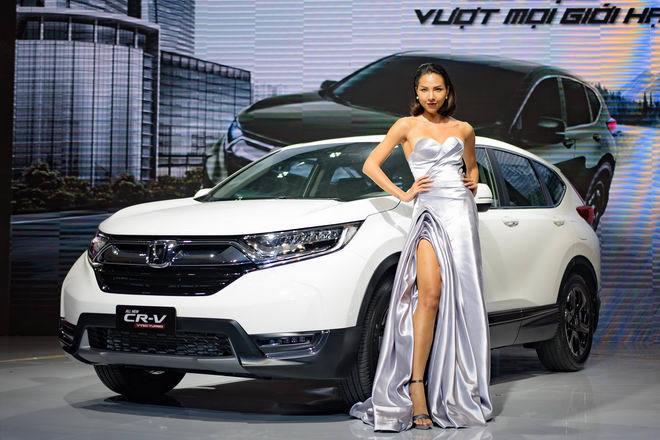 Loạt xe 'hot' lỡ hẹn với khách hàng Việt tết năm nay