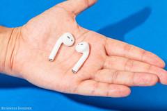 Apple thắng lớn nhờ tai nghe AirPods