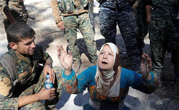 Những bức hình ám ảnh về cuộc chiến chống IS