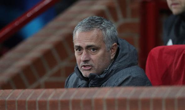 MU xếp nhất bảng, Mourinho sợ đụng ngay Real, Bayern