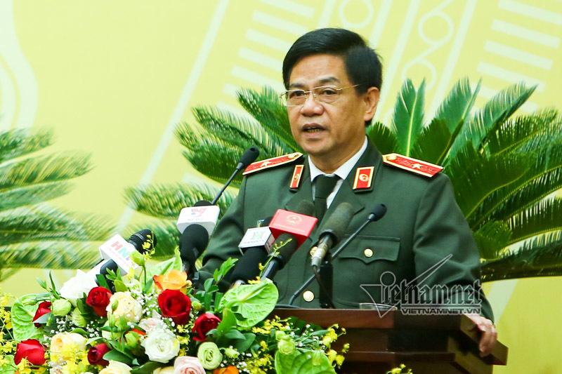 Tướng Khương thông tin việc 1 cán bộ CA cho thuê nhà, kinh doanh trên vỉa hè