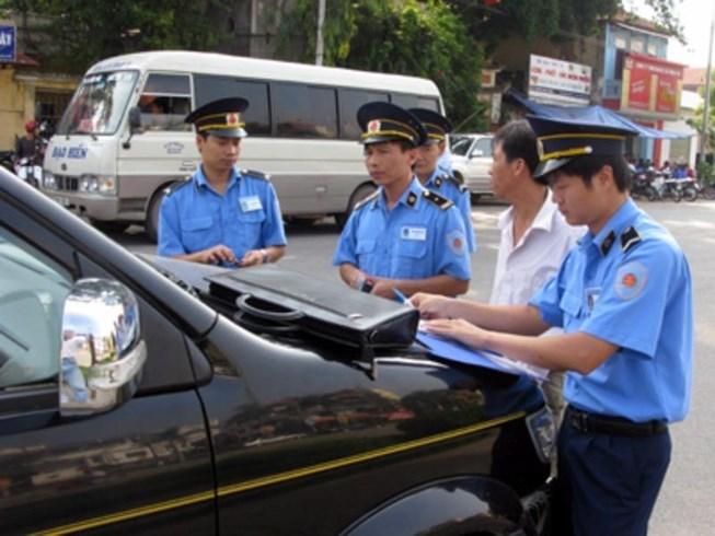 Thanh tra đường bộ được dừng xe trong trường hợp nào?