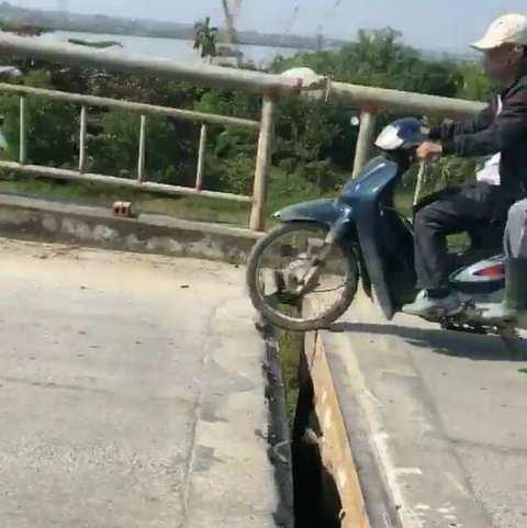 video cầu Sông Mới