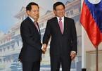 Đề nghị Lào tạo điều kiện về thủ tục nhập quốc tịch cho người Việt
