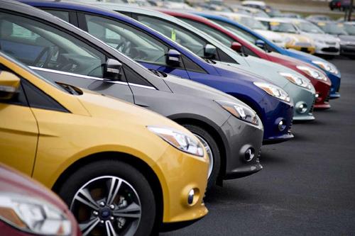 Có tiền trong túi nên mua ô tô hay gửi tiết kiệm?