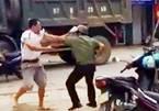 1 cán bộ công an bị đánh trên đường phố