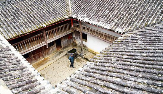 Dinh thự 150 tỷ của dòng họ từng thống lĩnh vùng Hà Giang