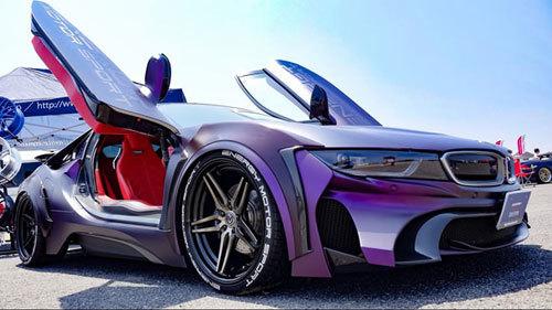 BMW i8 độ phong cách người dơi