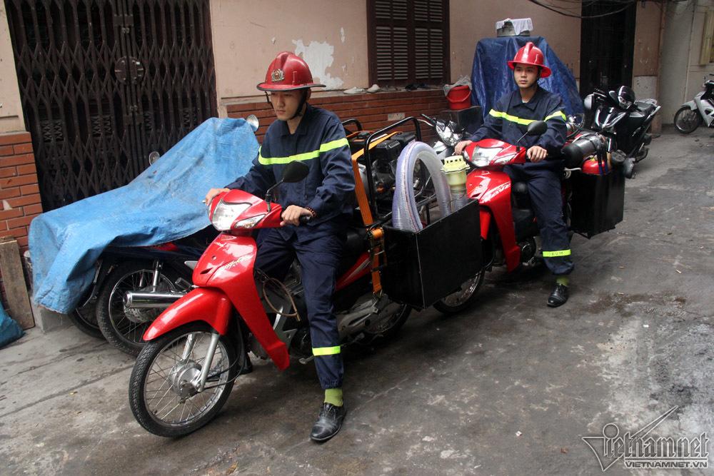 Có bảo bối này, lính cứu hỏa Hà Thành dập nhanh đám cháy ngõ nhỏ - 14