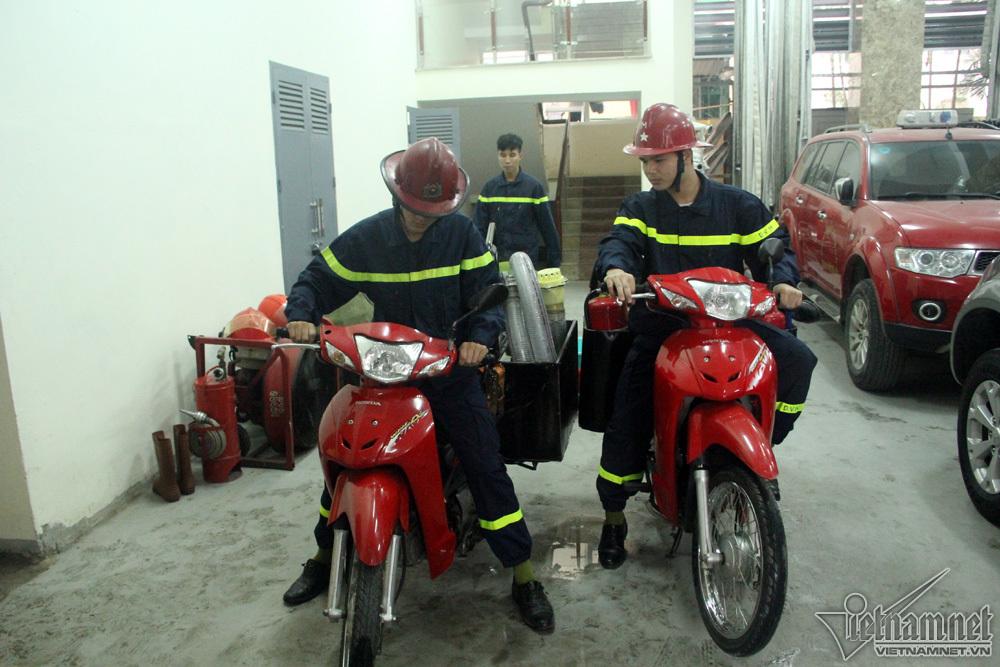 Có bảo bối này, lính cứu hỏa Hà Thành dập nhanh đám cháy ngõ nhỏ - 12