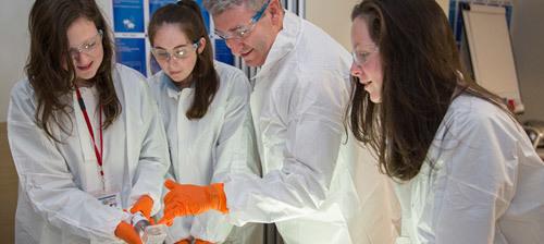 Abbott tối ưu hóa công nghệ thúc đẩy chăm sóc sức khỏe