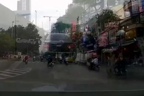 'Đội quân Ú oà' hay thói quen giao thông không cần luật pháp