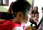 Mẹ kế bạo hành bé 10 tuổi ra công an trình diện