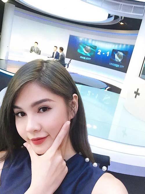 MC Tú Linh, Thu Hoài tỉ thí võ nghệ hâm nóng derby Manchester