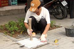 Hà Nội tạm dừng các dự án lát đá vỉa hè
