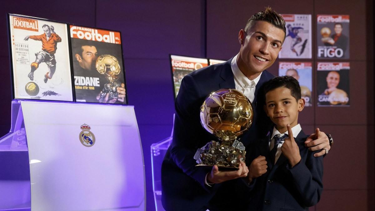 Quả bóng vàng 2017,Cầu thủ xuất xắc nhất thế giới,Ronaldo,France Football,Messi