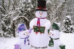 Làm người tuyết đón Noel từ một chiếc tất cũ