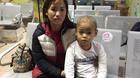 Chồng chết, vợ oằn mình kiếm tiền chữa ung thư hạch cho con