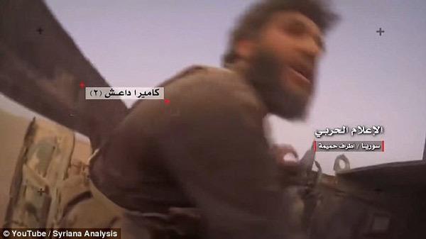 Xem phiến quân IS chạy trối chết vì bị nã tên lửa