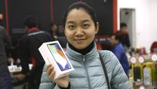 iPhone X chính hãng về Việt Nam, giá ngang ngửa hàng xách tay
