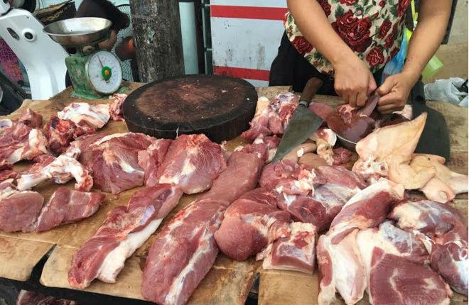 Thịt tươi sống ở chợ 5 tỉnh thành phía Nam đều nhiễm khuẩn E.Coli