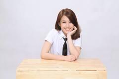 Hotgirl Ngọc Thảo đóng phim sitcom học đường phát hành online
