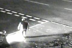 Tài xế ô tô cố tình húc bay người đi bộ sang đường