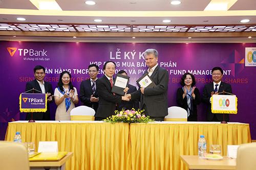 Nhà đầu tư ngoại tiếp tục đầu tư mạnh tay vào TPBank