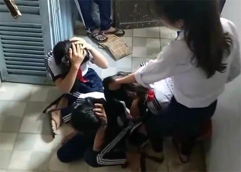 Tình tiết mới vụ 2 nữ sinh lớp 9 đánh dã man 3 học sinh lớp 7