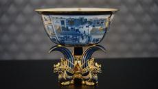 Chén ngọc vẽ vàng tặng Đại hội Đoàn toàn quốc