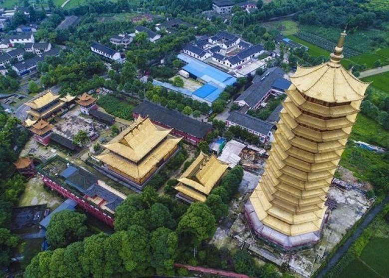Tháp cổ bằng gỗ cao nhất châu Á bị thiêu rụi