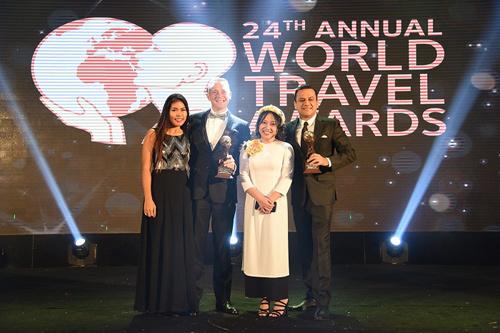 Giải thưởng 'Oscar ngành du lịch' dồn dập trao cho Việt Nam