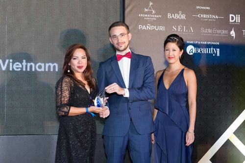 Naman Retreat nhận liên tiếp 2 giải thưởng quốc tế lớn