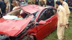 Ô tô đâm tung lan can cầu lao xuống sông, tài xế tử nạn