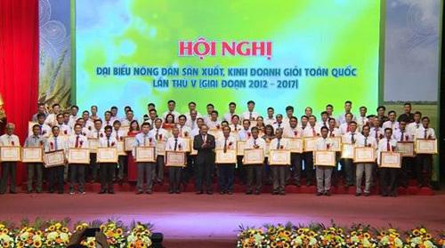 Tôn vinh 300 đại biểu nông dân sản xuất kinh doanh giỏi