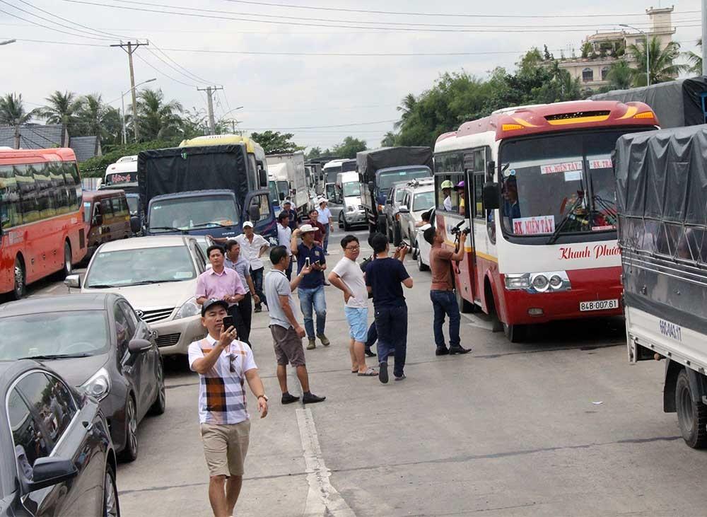 BOT,Cai Lậy,trạm thu phí,Bộ trưởng Nguyễn Văn Thể,Nguyễn Văn Thể,bộ trưởng GTVT