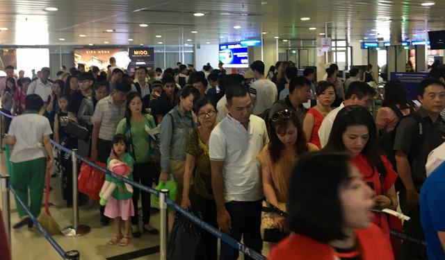 Sân bay Tân Sơn Nhất tăng chuyến cao 'chưa từng có' dịp Tết 2018