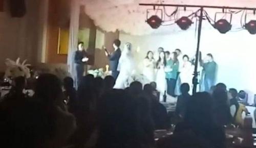 Cô dâu tức đỏ mặt vì đám cưới bị trang trí chẳng khác nào đám ma