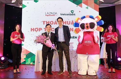'Cao điểm' mua sắm Lazada trong tháng 12