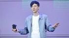 Triệu phú YouTube 26 tuổi làm mê hoặc trẻ con khắp thế giới