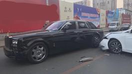 Bị đâm vỡ đầu xe, chủ Rolls-Royce nói với tài xế Hyundai: 'Bán nhà đi'