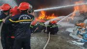Cháy đổ sập trụ điện cao thế, toàn TP Vũng Tàu mất điện