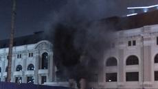 Cháy trạm phát điện Nhà hát lớn TP.HCM, nhiều người hoảng loạn0