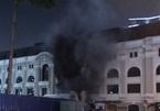 Cháy trạm phát điện Nhà hát lớn TP.HCM, nhiều người hoảng loạn
