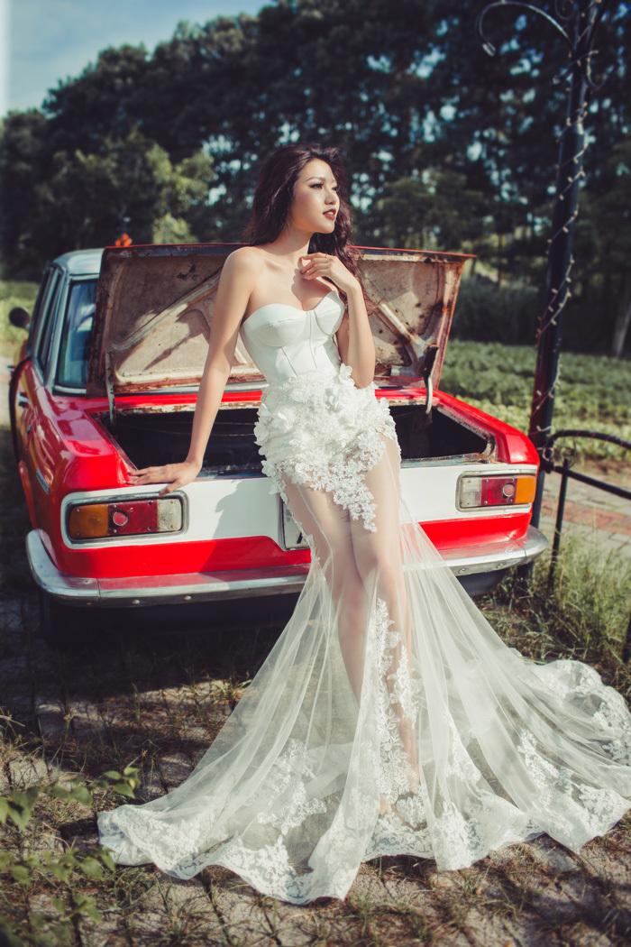 Thí sinh Hoa hậu Hoàn vũ diện áo cưới nóng bỏng