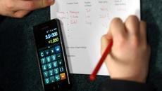 Trường học Pháp cấm điện thoại di động cả trong giờ ra chơi