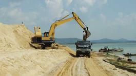 Giá cao ngất ngưởng, TP HCM thêm nỗi lo thiếu cát xây dựng